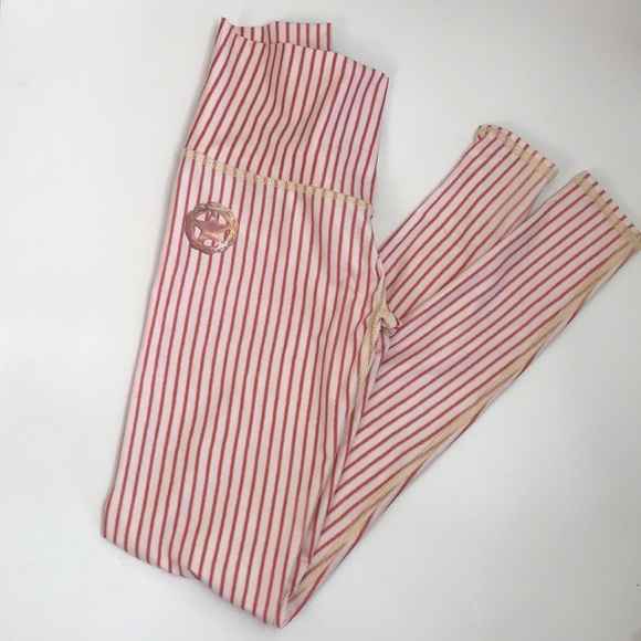 3e0873fe3789a4 Teeki Hot Yoga Candy Cane Pants XS Never Worn. M_5c8ff82fc617773580e535da